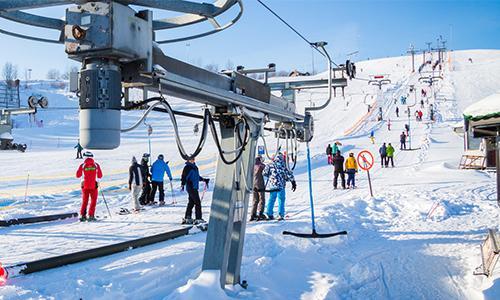 Быстрейший спуск с горы в Туутари парке на лыжах и сноуборде.